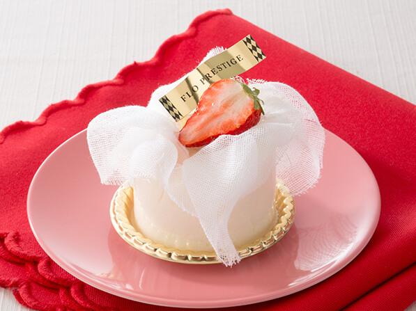 あまおう苺のレアチーズケーキ〈クレームダンジュ〉