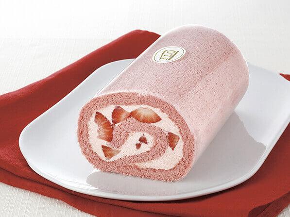 苺づくしのロールケーキ